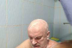 Помывка инвалидов Владиславом - 8 братьев